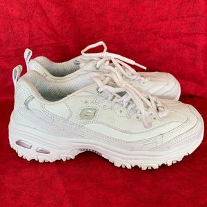 Skechers lite sz 6 white